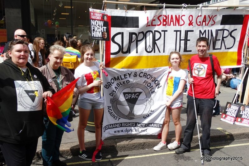 Paula,Louise, Mike Jackson (LGSM)  great nieces and Roger from DPAC with DPAC Banner and LGSM banner